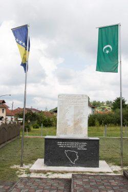 Svirepo likvidirani dok su kopali grobnicu za 12 ubijenih Bošnjaka