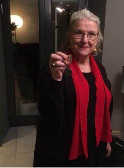 IGK je počastvovan članstvom Christine Doctare u svome Internacionalnom ekspertnom timu, plemenite Šveđanke koja je vratila Nobelovu nagradu za mir zbog Handkea